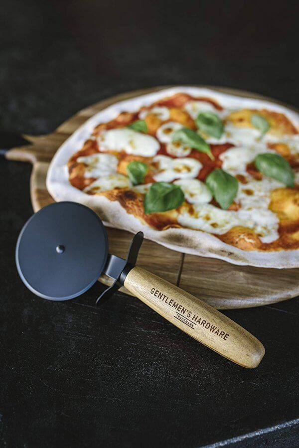 Nobles Pizza-Set - Pizzaschneider und Pizzabrett 4